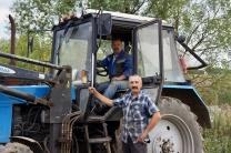 Наши мастера земли - трактористы Юрий и Михаил